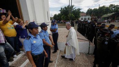 En peligro de muerte: un sacerdote y las relaciones de la Iglesia y el gobierno en Nicaragua 7