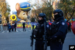 Los globos vuelan en el del desfile de Macy's por Acción de Gracias 5
