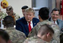 Trump hace una visita sorpresa a las tropas estadounidenses en Afganistán 6