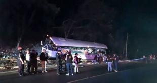 Una colisión entre un camión y un autobús deja 21 muertos en Guatemala 3