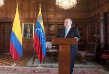 """Photo of """"Yo no filtré información"""": Ex embajador de Guaidó en Colombia"""