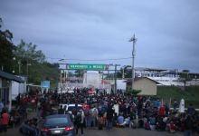 Hondureños esperan reunirse en la frontera para cruzar juntos 7