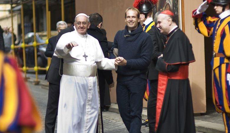 Papa nombra a cura uruguayo como uno de sus secretarios personales 1