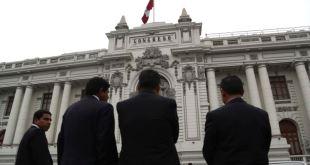 Perú: Tribunal Constitucional apoya cierre del Parlamento 11