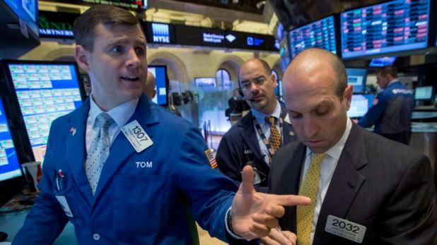 Reporte: Wall Street sube a máximo histórico en su mejor semana desde agosto 1