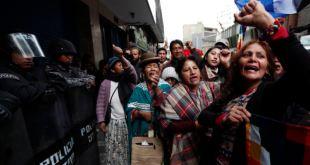 Denuncian detención de apoderada de Evo Morales y ocupación de documentos legales 1