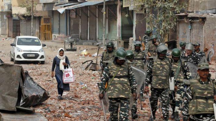 Disturbios en Nueva Delhi dejan ya 19 muertos 2