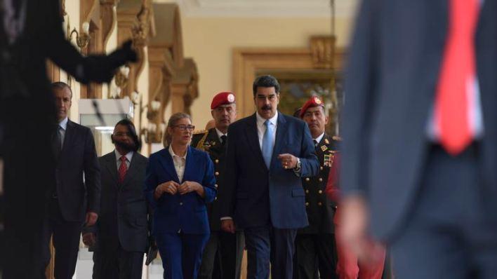 """Analistas: Con apoyo militar, el poder """"fáctico"""" de Maduro resurge en medio de pandemia 1"""