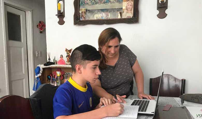 Educación digital en Colombia: el reto para migrantes venezolanos