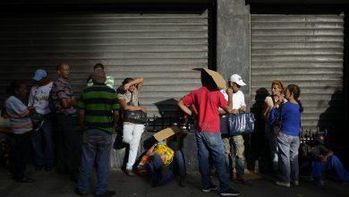 """Analistas: Caída del PIB de Venezuela será """"muy superior"""" a los 15 puntos 4"""