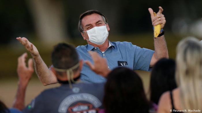Brasil: Trabajadores de salud denuncian a Bolsonaro por manejo de la pandemia 1