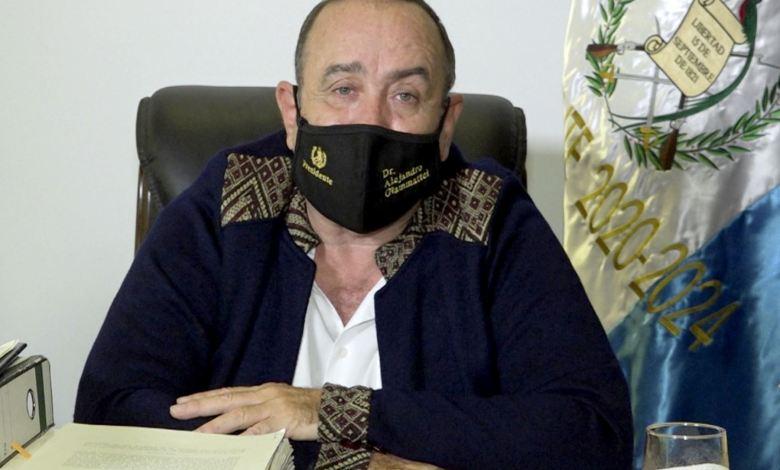 Presidente de Guatemala da positivo por covid-19 1