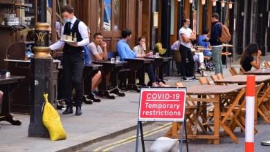 Británicos que se nieguen a recibir vacuna covid-19 no podrán ingresar a bares y restaurantes 1