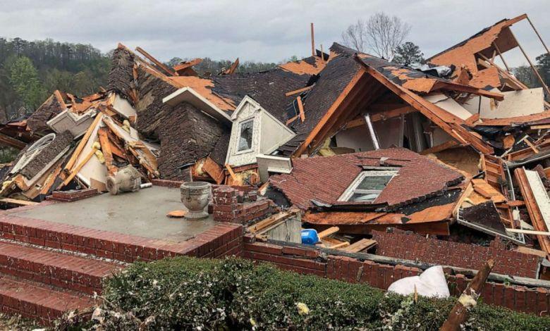 Cinco fallecidos dejó el paso de un tornado en Alabama 1