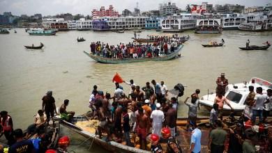 Al menos 25 muertos luego del hundimiento de un ferry en Bangladesh 2