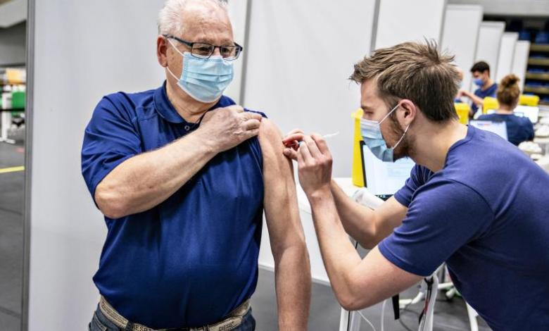 Dinamarca descarta definitivamente la vacuna de AstraZeneca por casos de trombosis 1