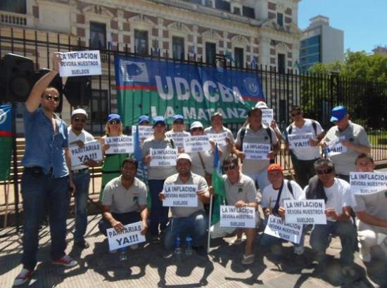 pag.8_Docentes matanceros protestando en La Plata
