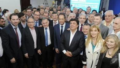 Photo of Elecciones 2015: Encuentro de Scioli con decenas de intendentes