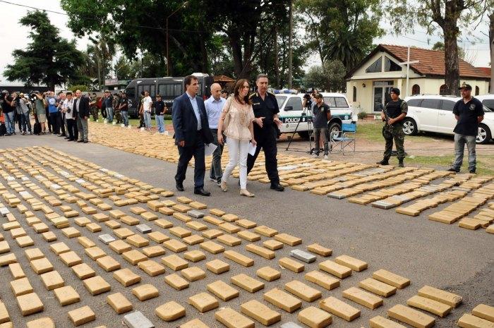 Vidal-y-Ritondo-Conf.-de-prensa-Secuestraron-4-toneladas-de-droga-1