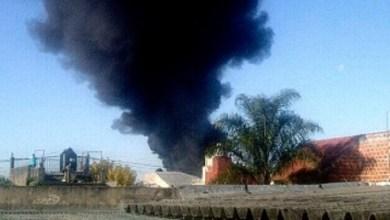 Photo of Bomberos controlaron el fuego en la planta de reciclado de neumáticos de Villa Ballester