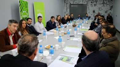 Photo of En Ituzaingó, el Ministerio de Producción bonaerense presentó herramientas para las PyMEs