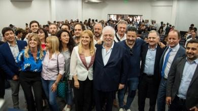 Photo of Verónica Magario e Insaurralde reclamaron por la autonomía de los municipios