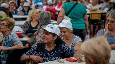 Photo of Los adultos mayores cerraron el año de actividades con una caminata por el predio de la UNLaM