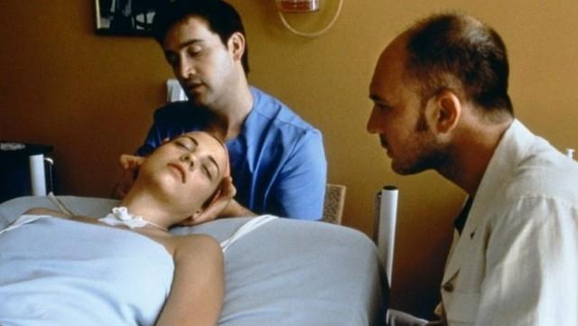 Lleva 27 años en estado vegetativo, fue abusada y tuvo un bebé: ahora detuvieron a un enfermero