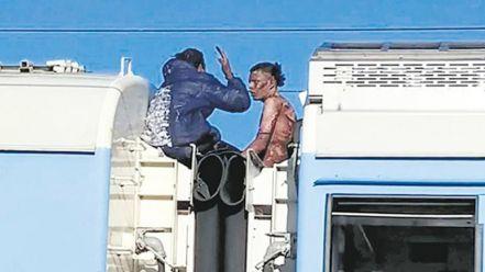 Murió el joven que sufrió una descarga eléctrica cuando viajaba en el techo del Tren Roca