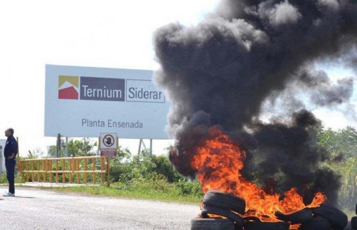 Contra los despidos se movilizan al Ministerio de Trabajo en La Plata