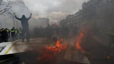 Photo of Chalecos Amarillos: Incidentes y saqueos en nueva protesta en Francia