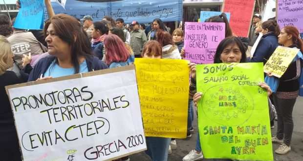La CTEP marchó a la ANSES de Ituzaingó y Morón en reclamo por programas sociales, en el marco de un plan de lucha