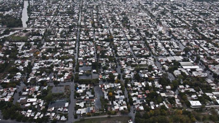 A seis años de la trágica inundación, La Plata no olvida y con sabor a impunidad sus vecinos vuelven a marchar