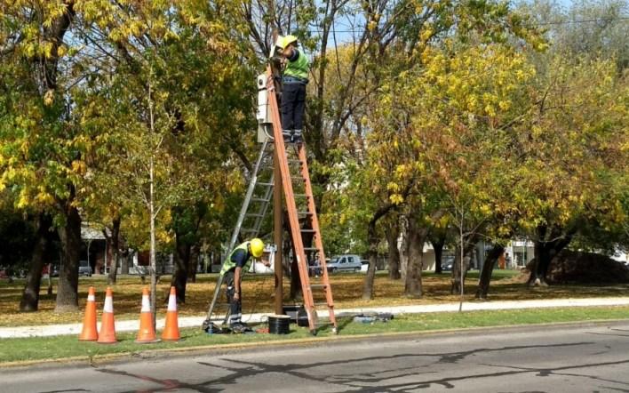 La Plata: ya se instalan radares y cámaras de fotomultas sobre avenida 32