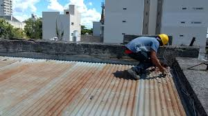 El Consejo Escolar de Hurlingham arregla techos de escuelas provinciales