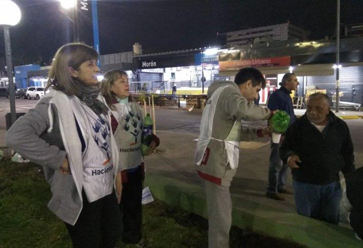 Ituzaingó: Haciendo Lío asiste cada vez a más gente de la calle