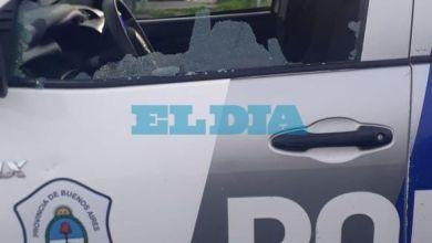 Photo of Batalla campal en 7 y 82: piedras, balas de goma, una policía herida y dos detenidos