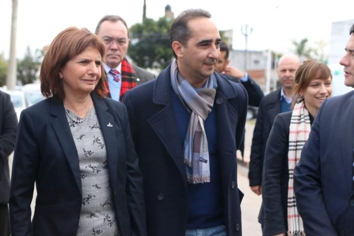 Tagliaferro recorrió el Barrio Carlos Gardel junto a Patricia Bullrich