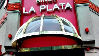 Photo of Conmoción en La Plata: mujer murió mientras jugaba al tragamonedas en el Bingo