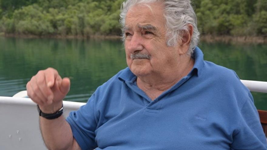 Mujica le disparó al presidente electo que no quiere «cagadores argentinos» en Uruguay