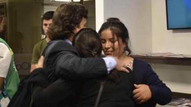 Photo of La víctima del ataque en Puerto Deseado llegó a Salta y fue recibida por el gobernador