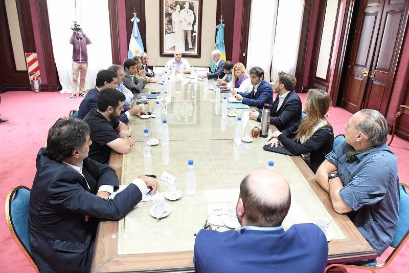 Magario y Kicillof coordinaron un encuentro con ministros y legisladores de todos los bloques para aunar esfuerzos en la lucha contra la pandemia del coronavirus