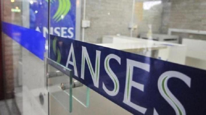 El miércoles 8 los bancos pagarán a jubilados y pensionados con DNI terminados en 8 y 9