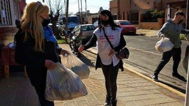 Photo of Continúan las jornadas solidarias de entrega de alimentos en Morón