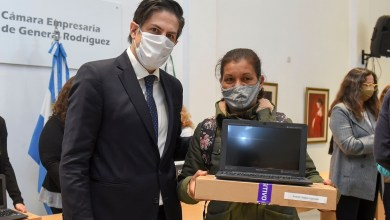Photo of Entrega de netbooks a estudiantes de General Rodríguez