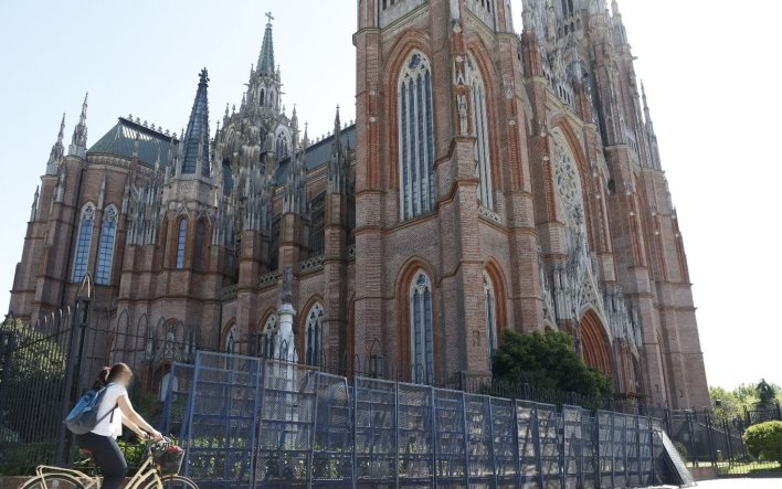 Por primera vez La Plata tendrá un obispo nacido en la ciudad: se podrá seguir la ceremonia en vivo