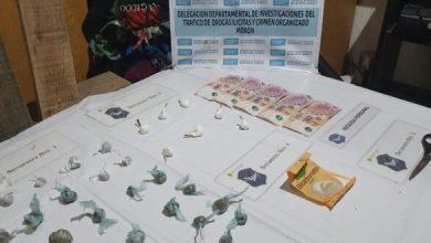 Photo of La Policía detuvo a un hombre acusado por sus vecinos de «reclutar» jóvenes para ser «deliverys» de drogas