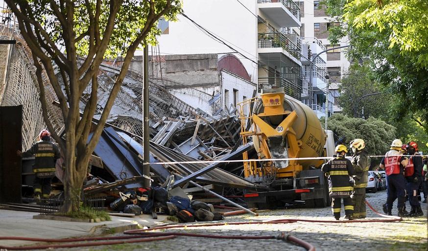 Rescataron a seis obreros tras el derrumbe en una obra en Belgrano