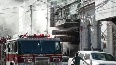 Photo of Un herido tras incendio en una mercería del centro de Morón