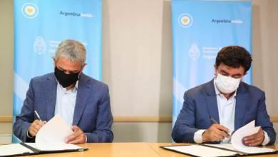Photo of Ferraresi firmó con Fernando Espinoza convenios para llevar 4900 soluciones habitacionales a La Matanza